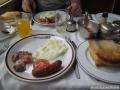 027-Breakfastentrain