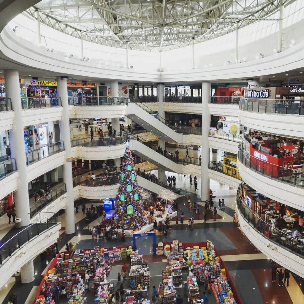 Ville de contraste Robinson Mall