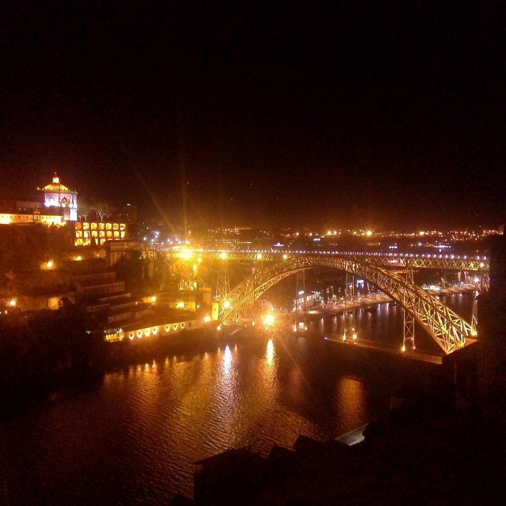 Ponte Luis I de nuit