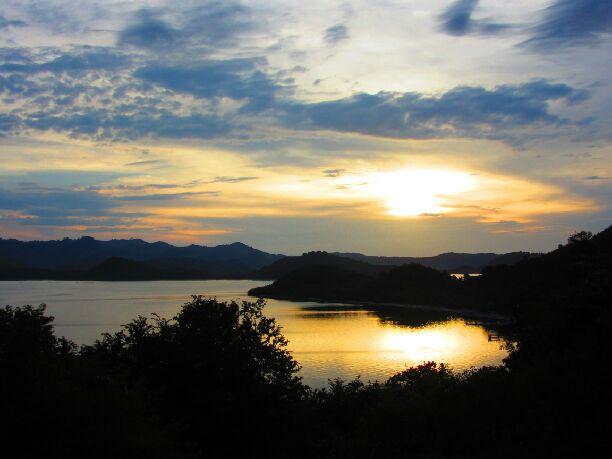 Coucher de soleil sur Gili Gede