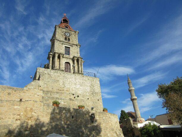 Eglise et mosquée